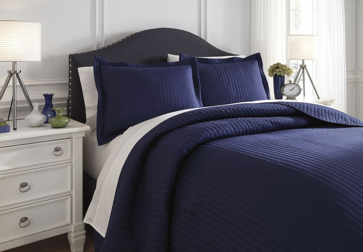Picture of Raleda Queen Coverlet Set