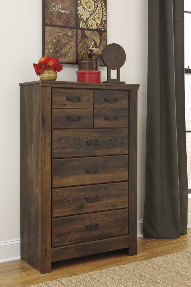 Picture of Quinden Chest of Drawers