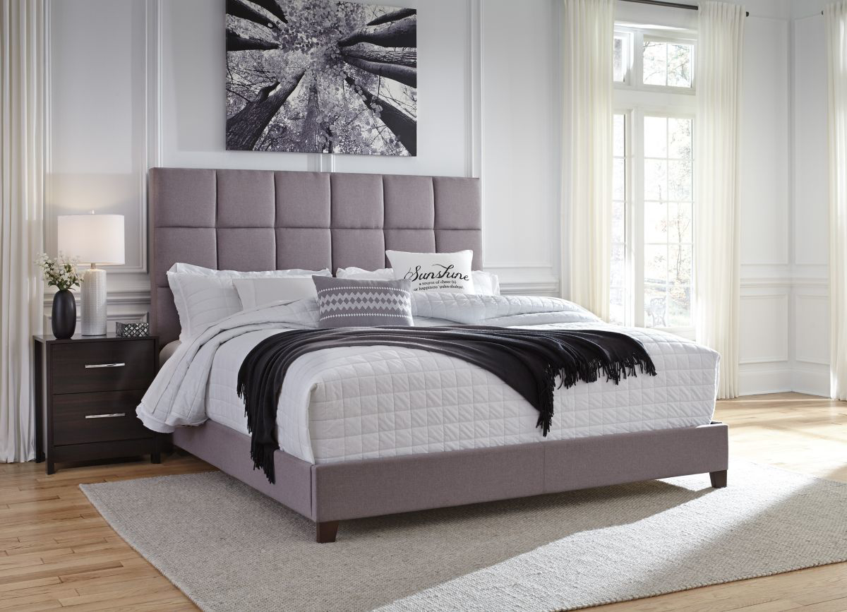 Picture of Dolante King Size Bed