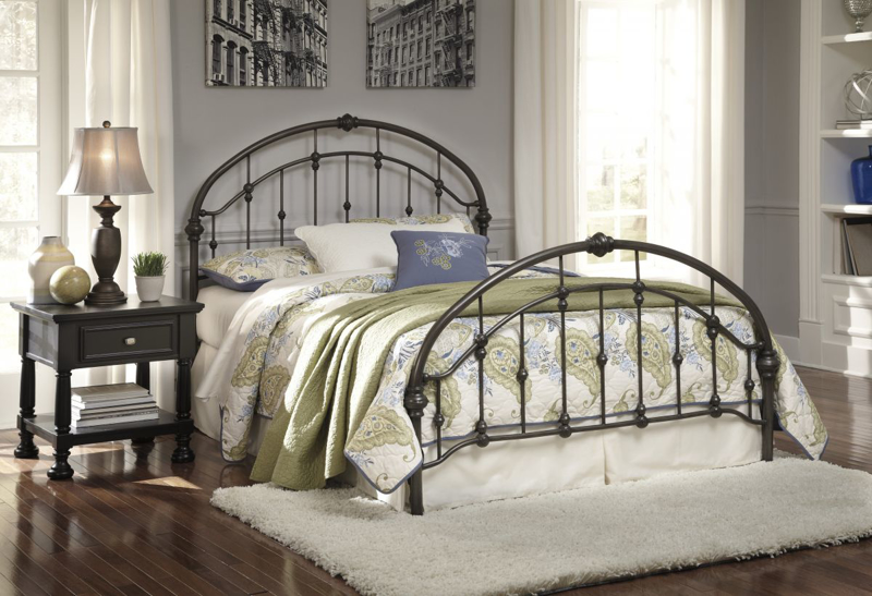 Nashburg King Size Bed