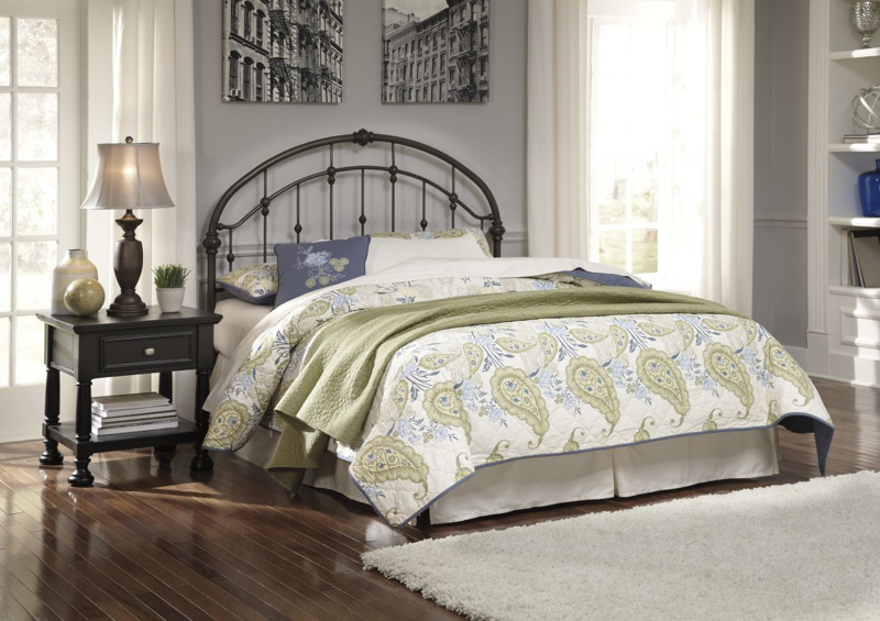 Nashburg Queen Size Headboard