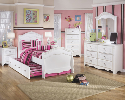 Picture of Exquisite Chest of Drawers