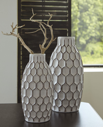 Picture of Dionna 2 Piece Vase Set