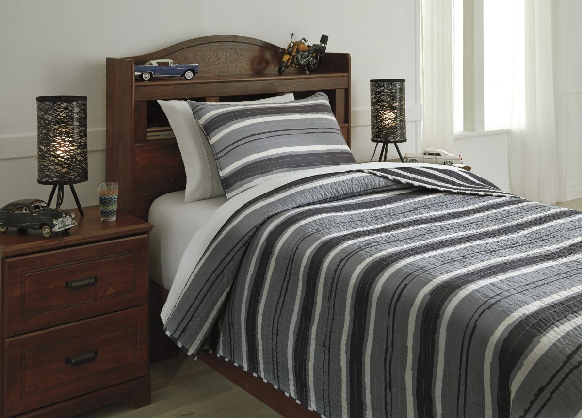 Picture of Merlin Twin Coverlet Set