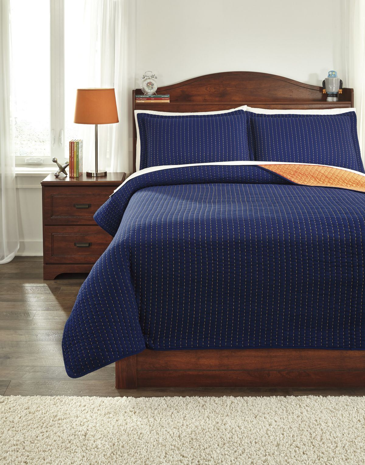 Picture of Dansby Coverlet Set