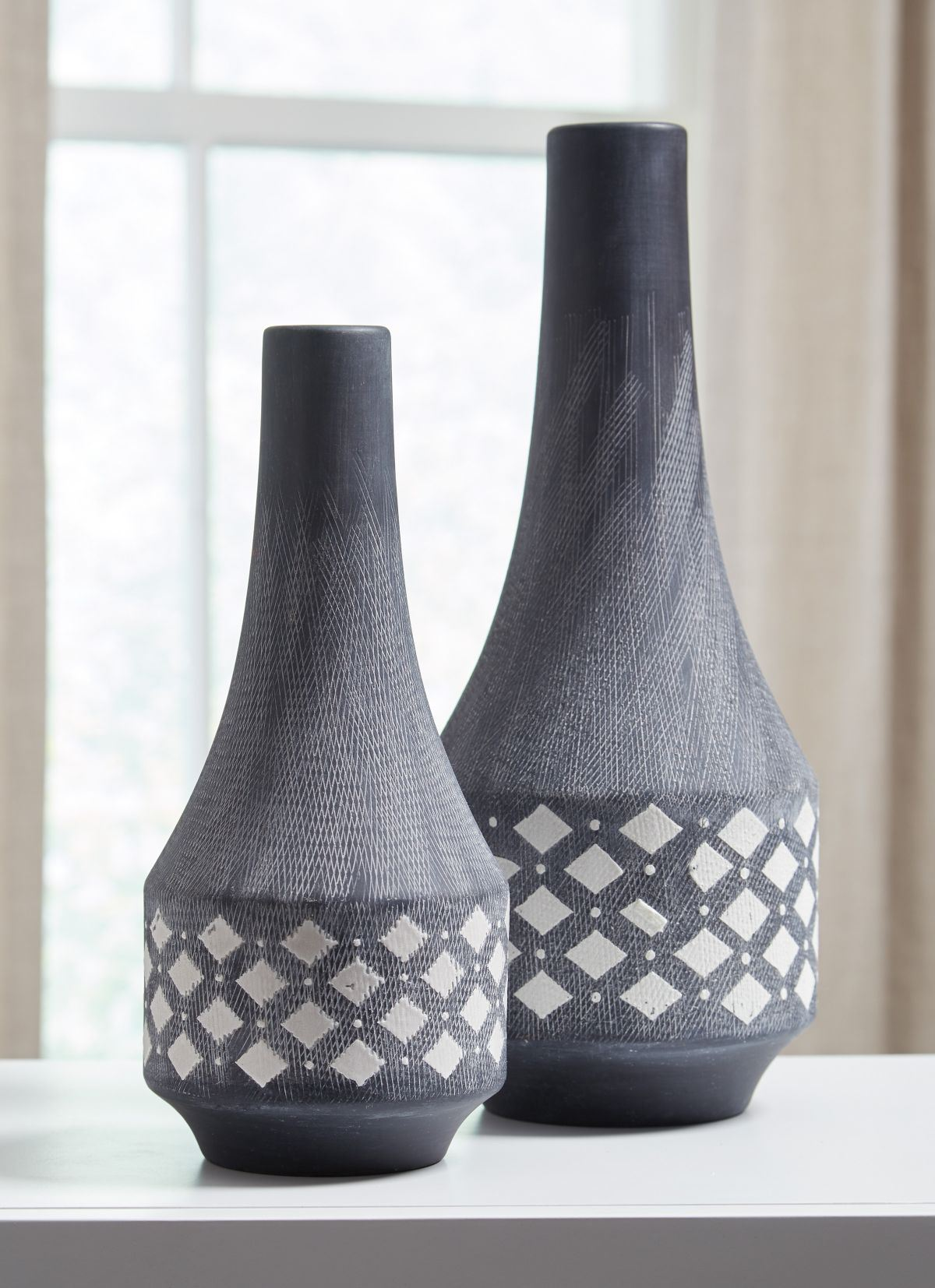 Picture of Dornitilla 2 Piece Vase Set