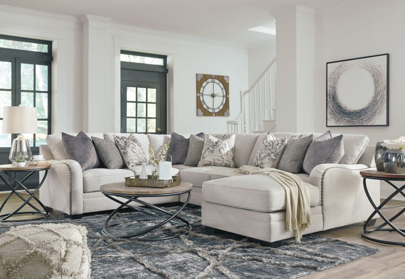 Dellara Sectional
