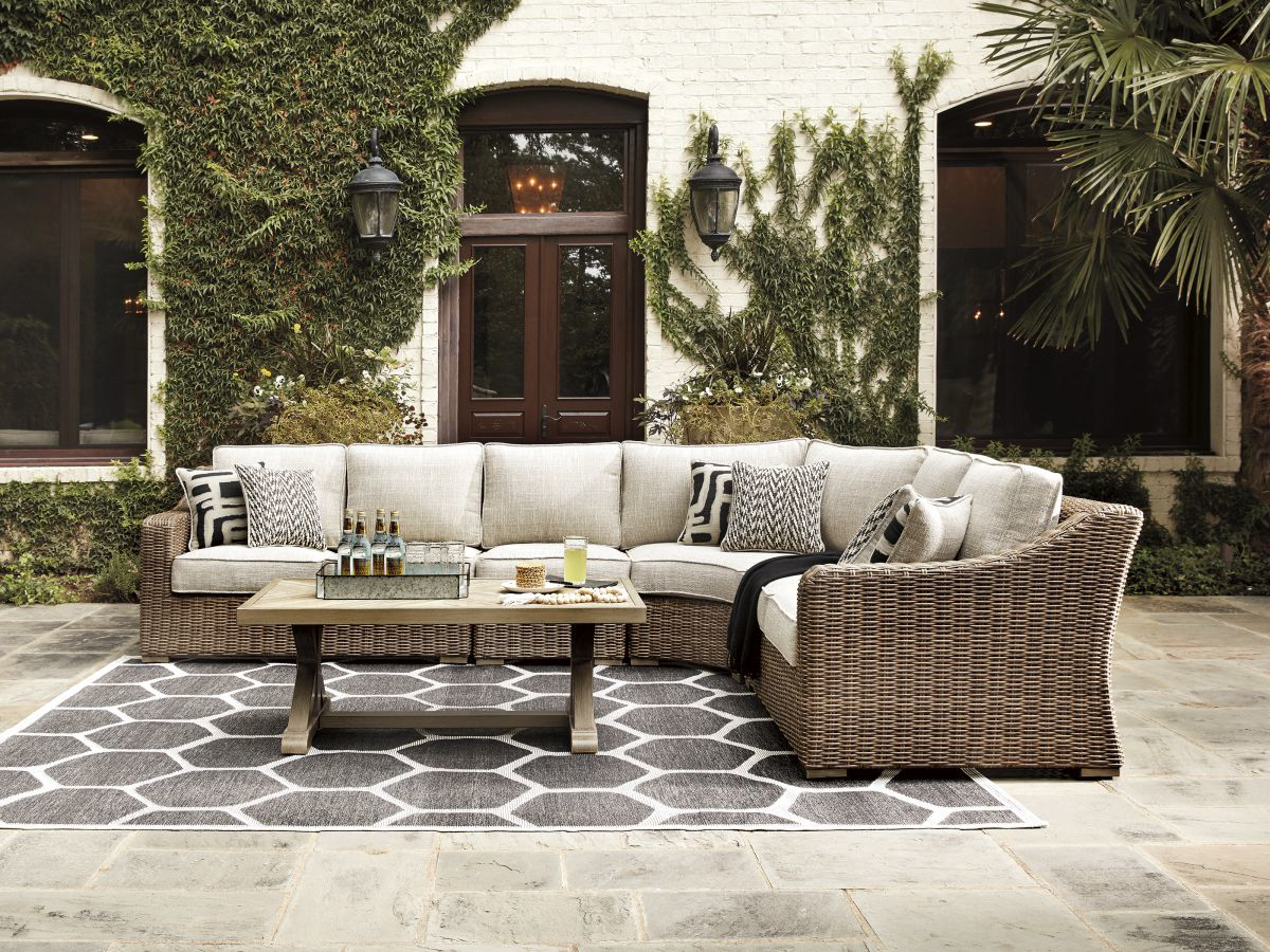 Picture of Beachcroft Patio Curved Chair