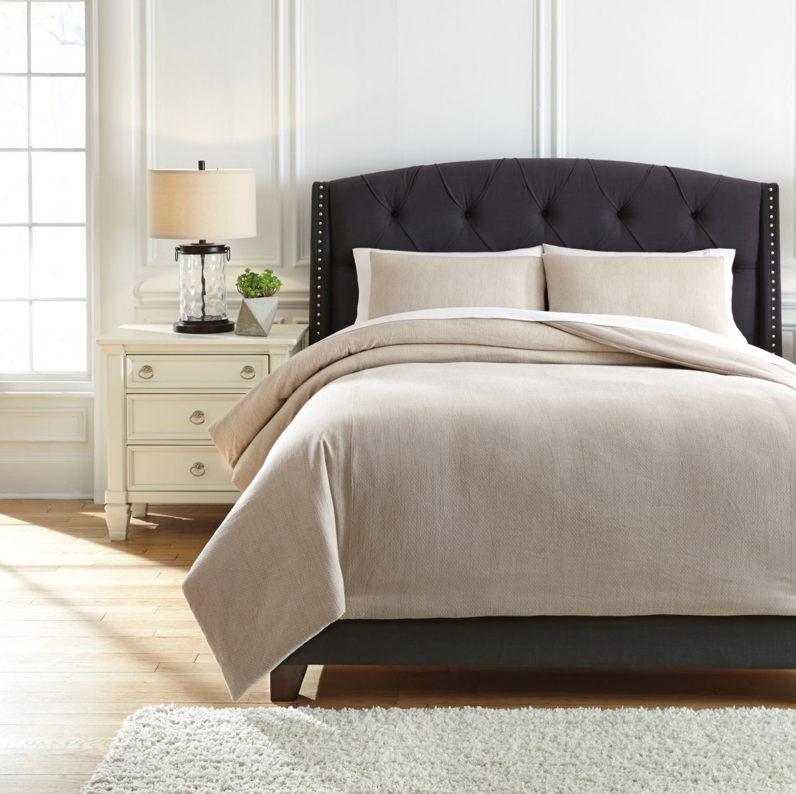 Picture of Mayda King Comforter Set