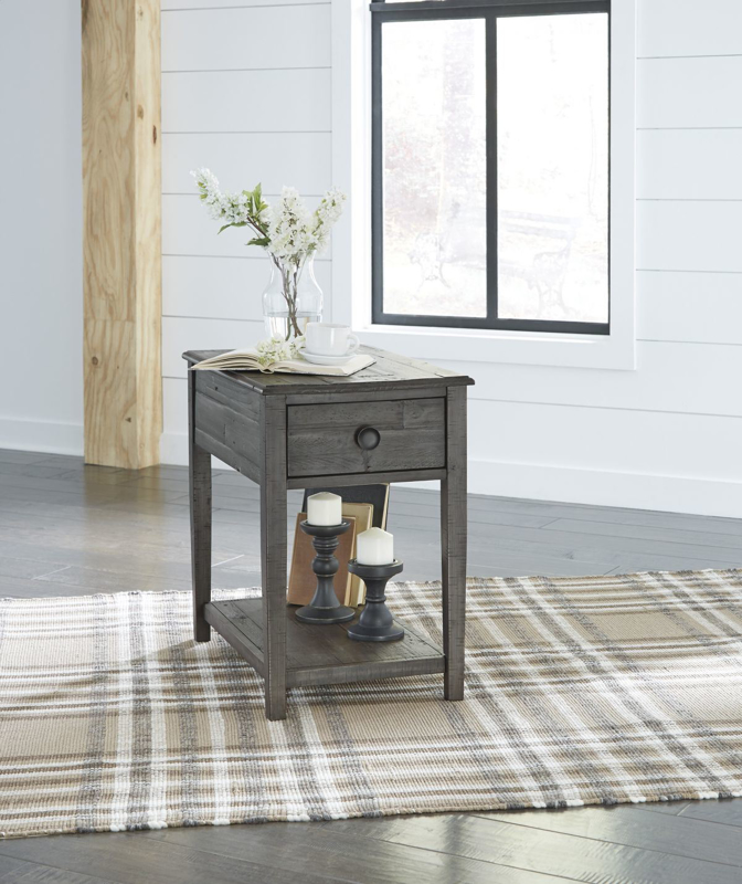 Borlofield End Table