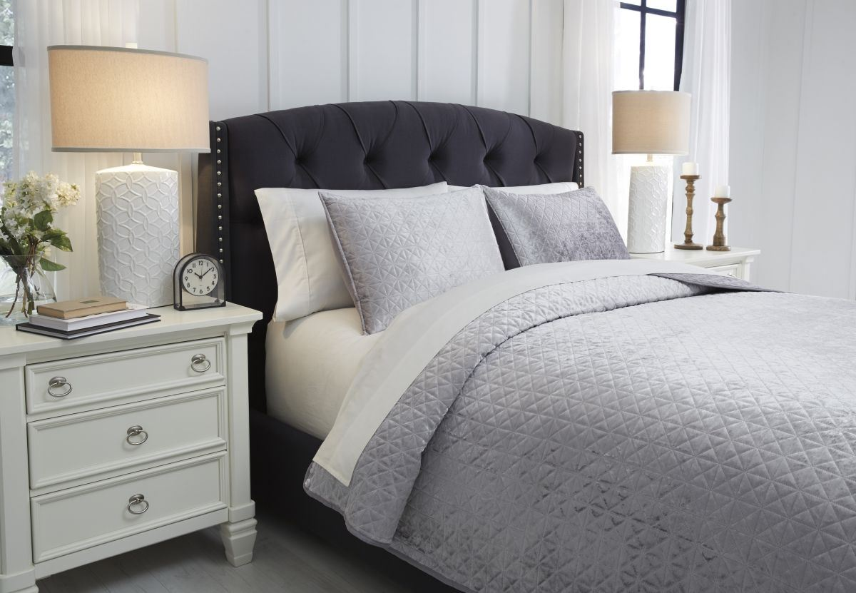 Picture of Maryam Queen Coverlet Set