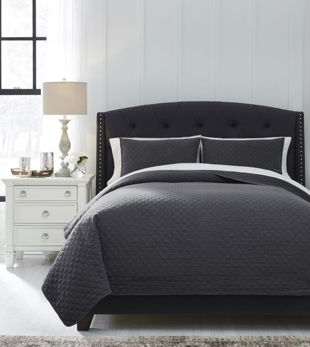 Picture of Ryter Queen Coverlet Set