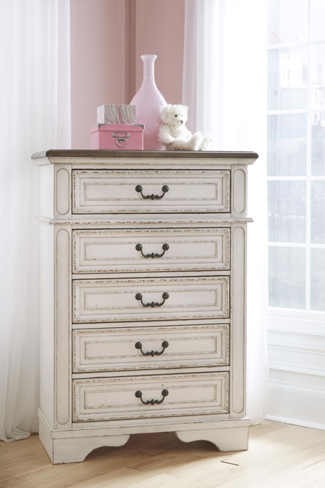 Picture of Realyn Chest of Drawers