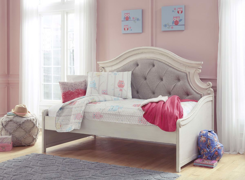 Realyn Twin Size Bed