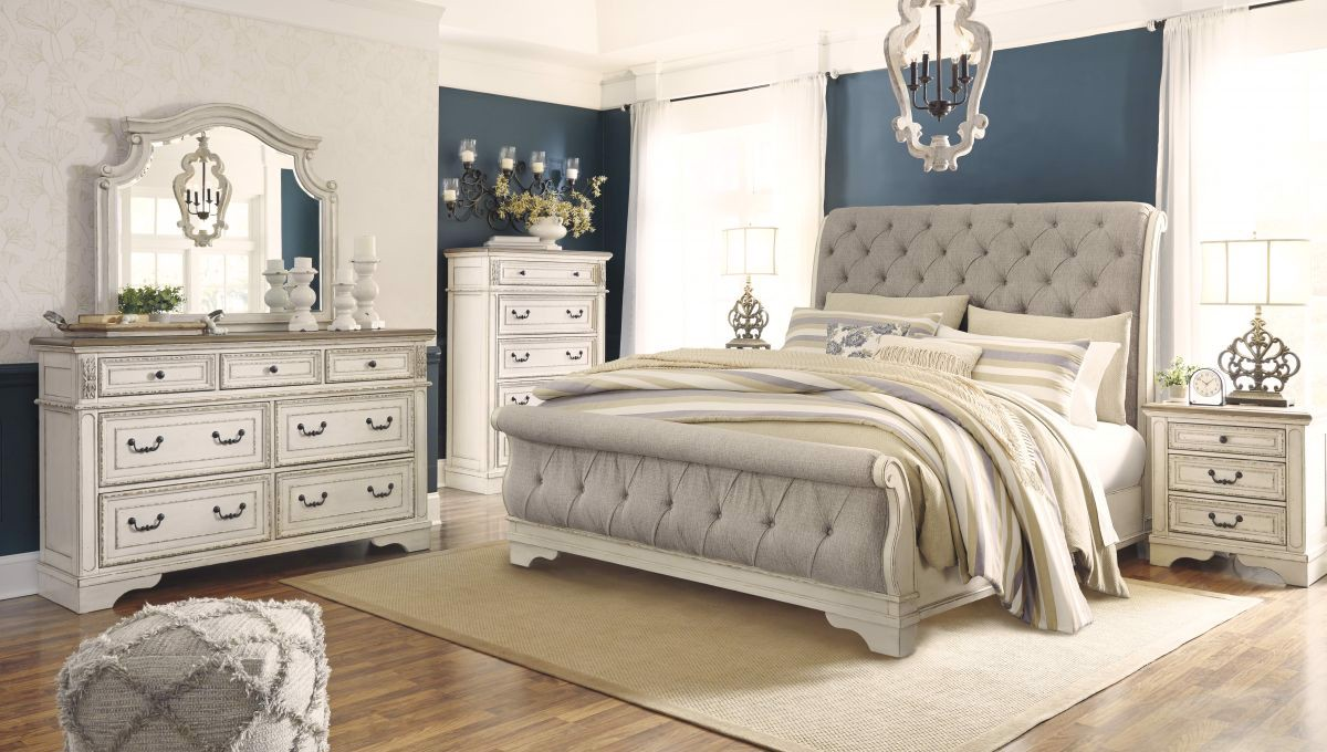 Picture of Realyn Queen Size Bed