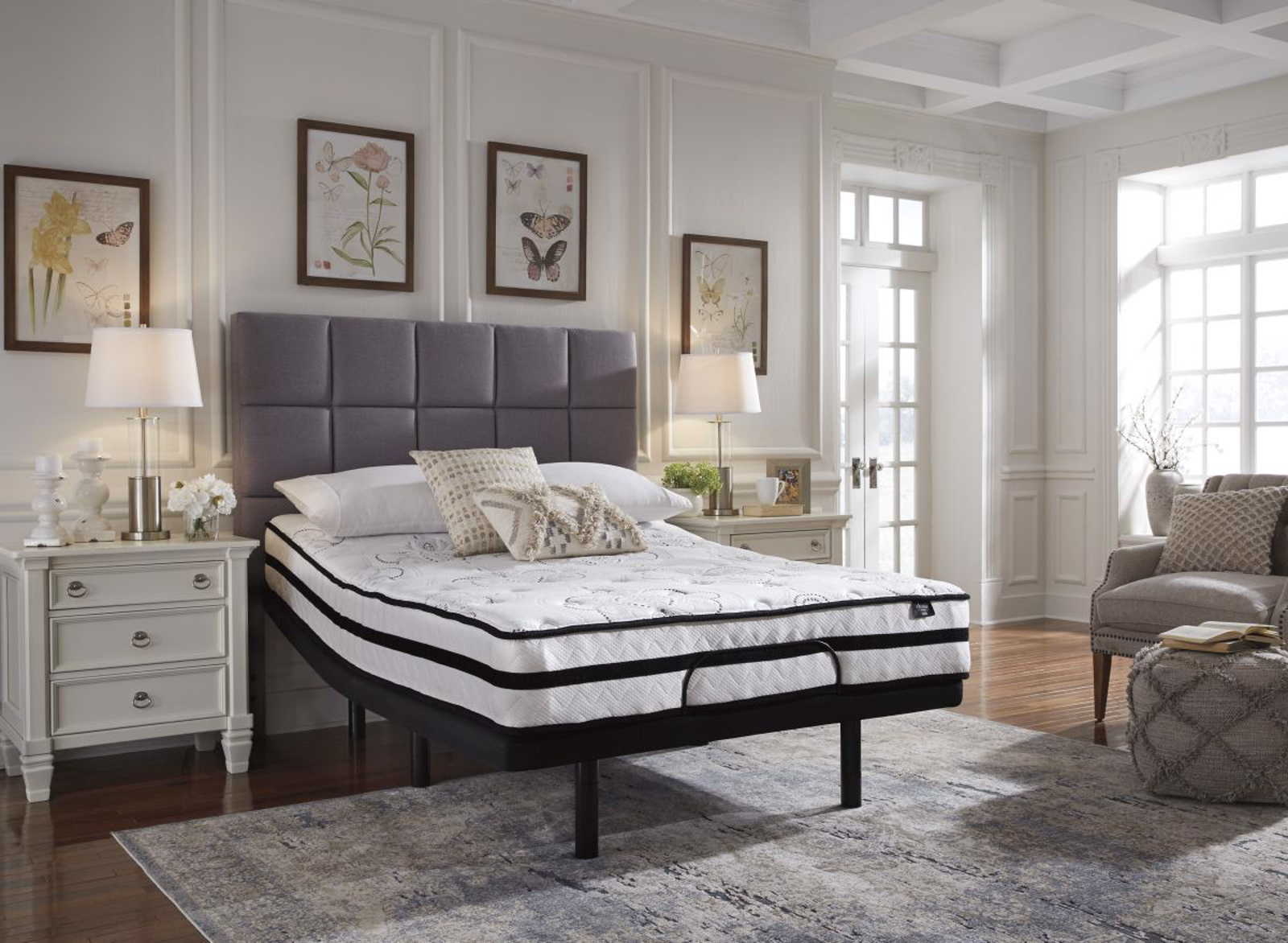 Picture of Chime 10in Hybrid Queen Mattress & Powerbase