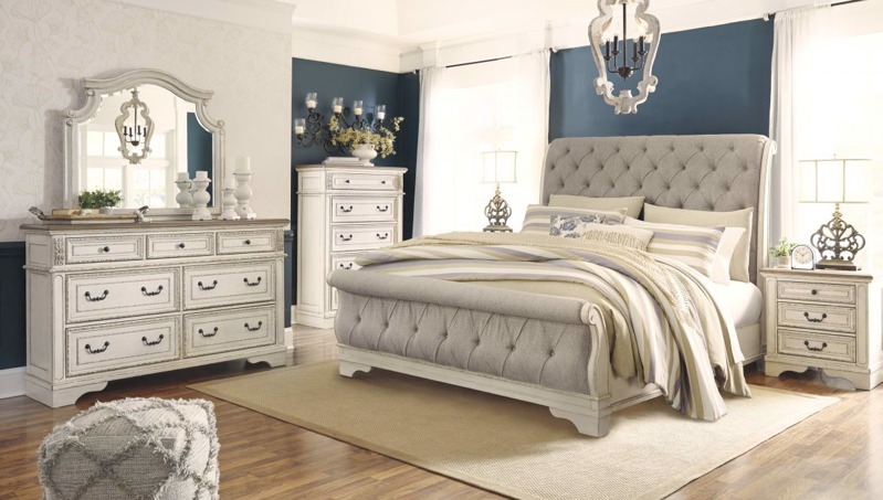 Realyn King Size Bed