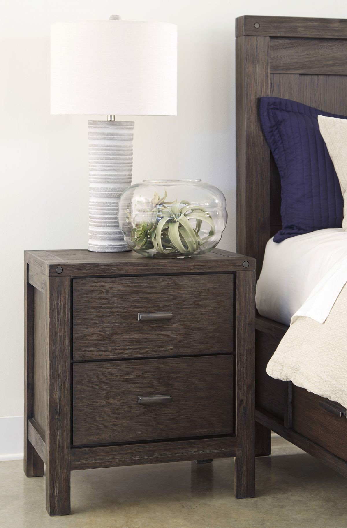 Picture of Dellbeck Nightstand
