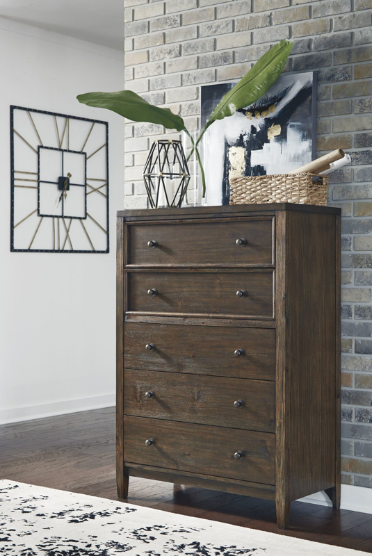 Kisper Chest of Drawers
