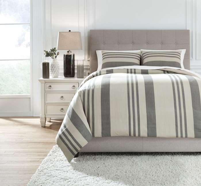 Picture of Schukei Queen Comforter Set