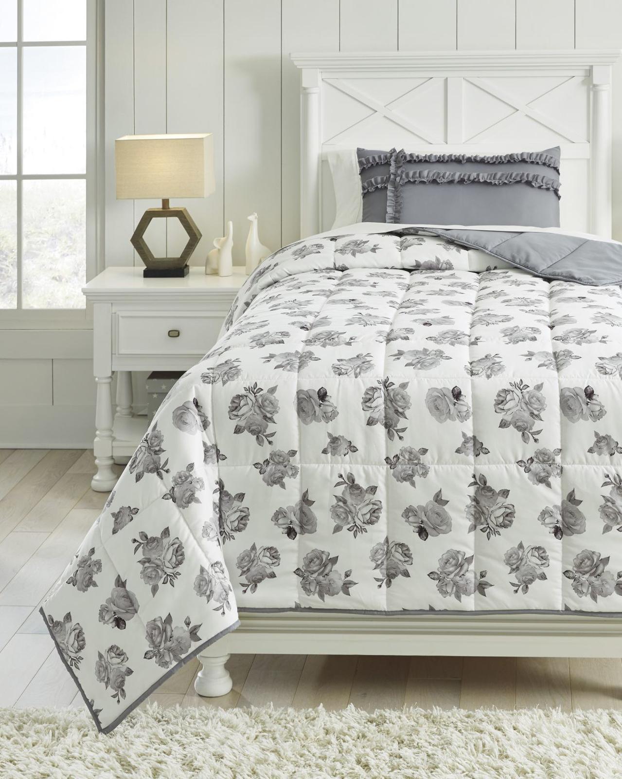 Picture of Meghdad Twin Comforter Set