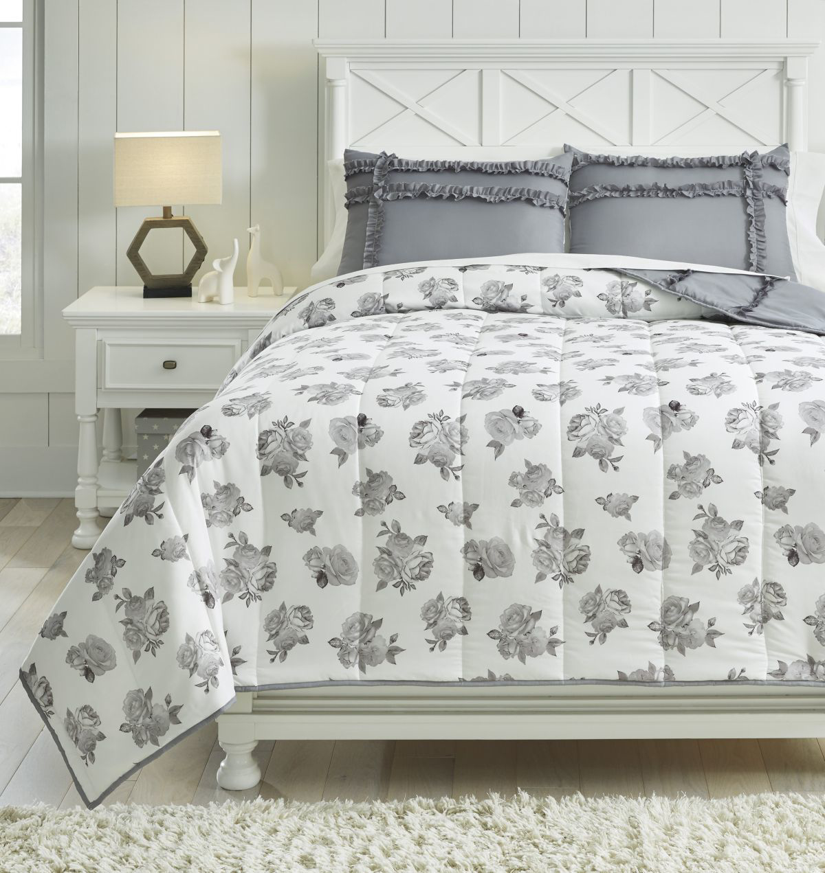 Picture of Meghdad Full Comforter Set