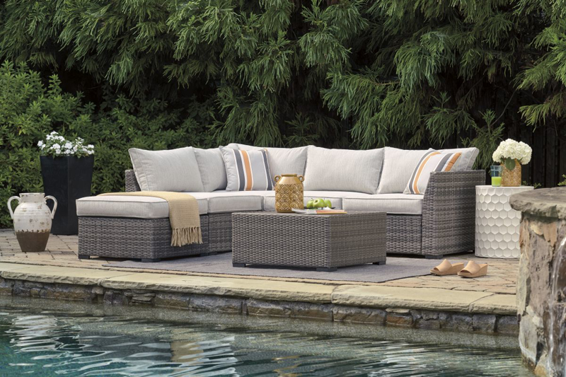 Cherry Point Patio Sectional, Ottoman & Table