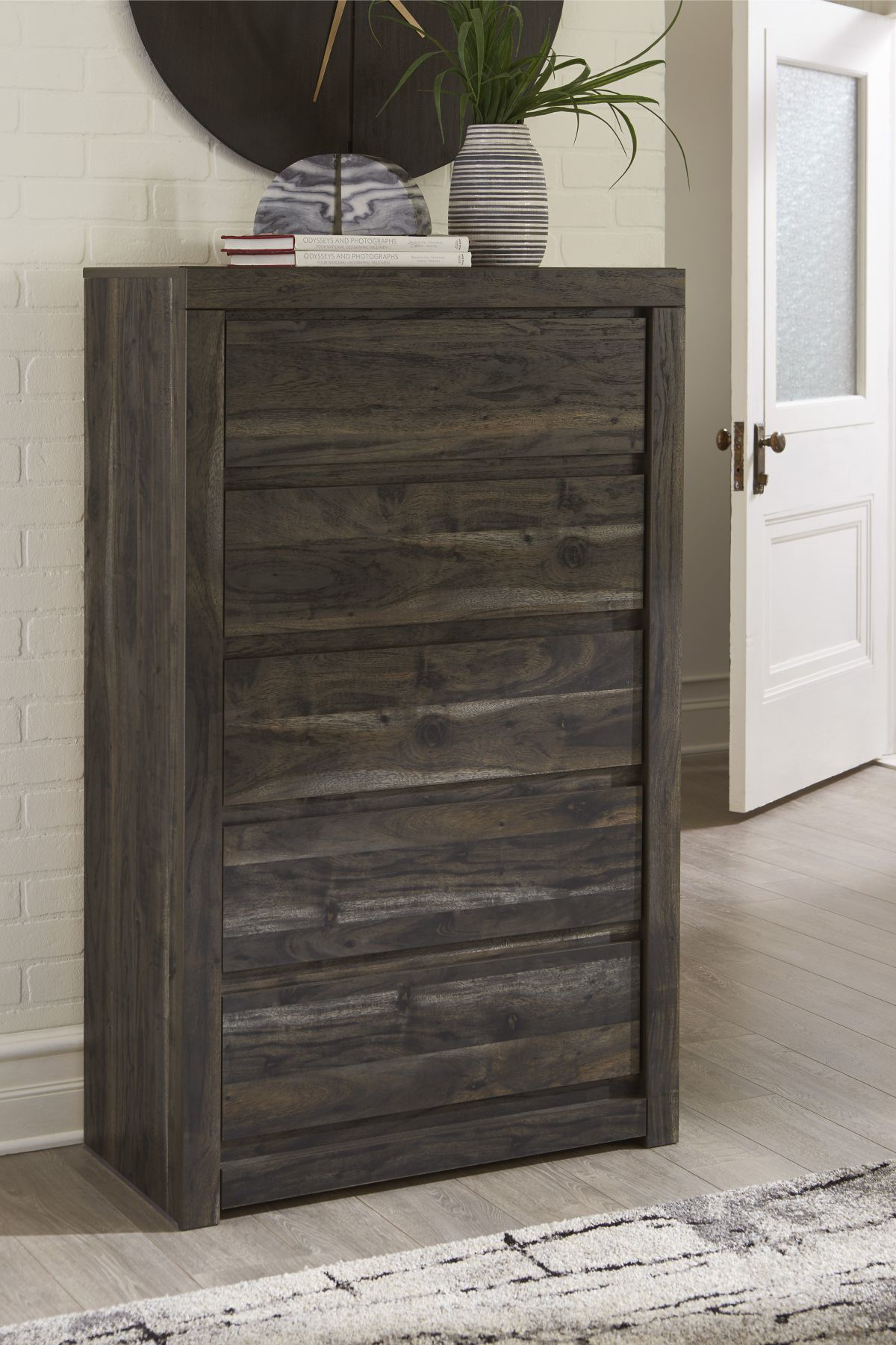 Picture of Vay Bay Chest of Drawers