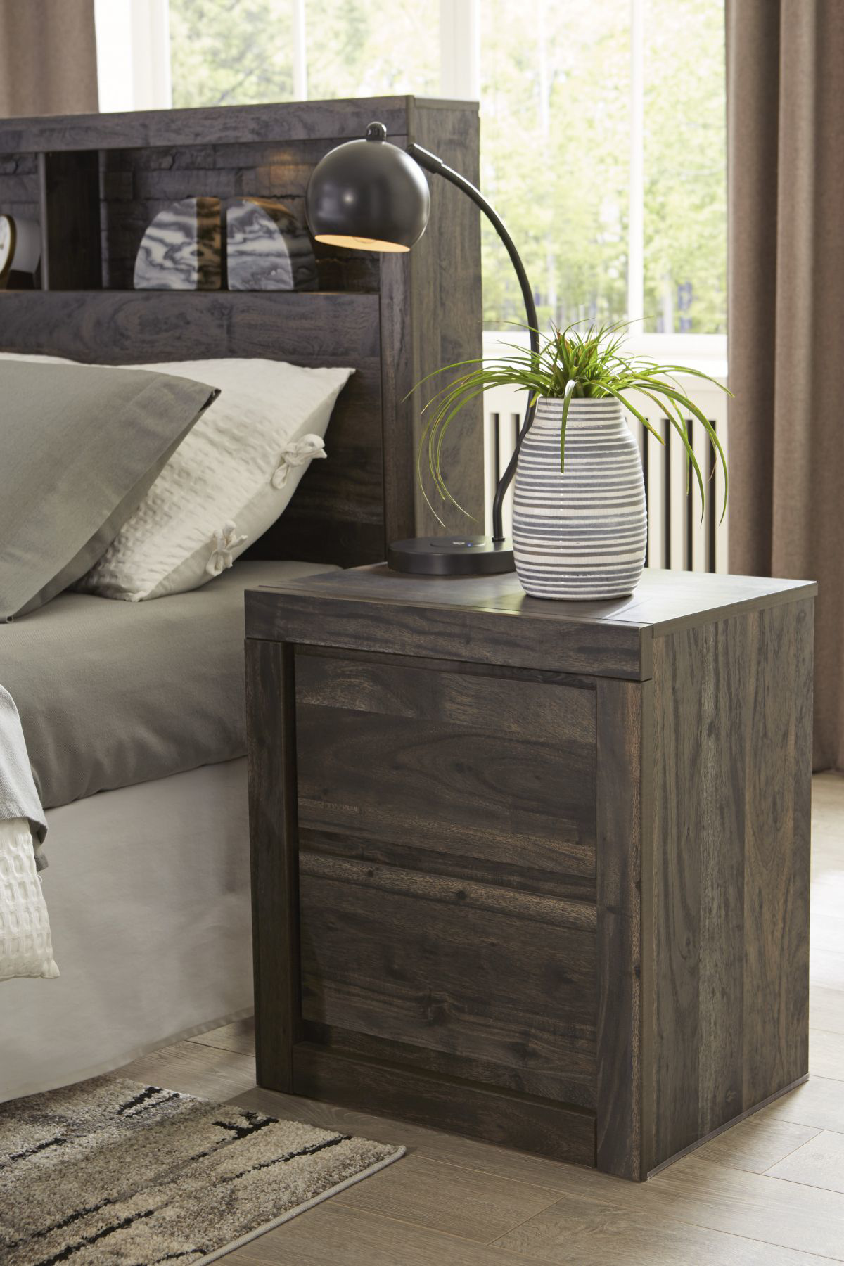 Picture of Vay Bay Nightstand