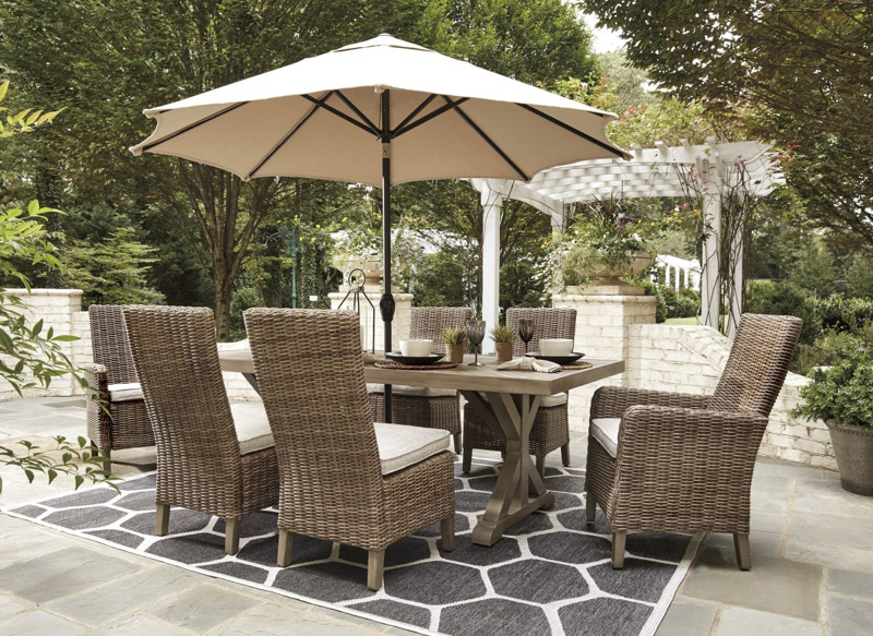 Beachcroft Patio Table & 6 Chairs