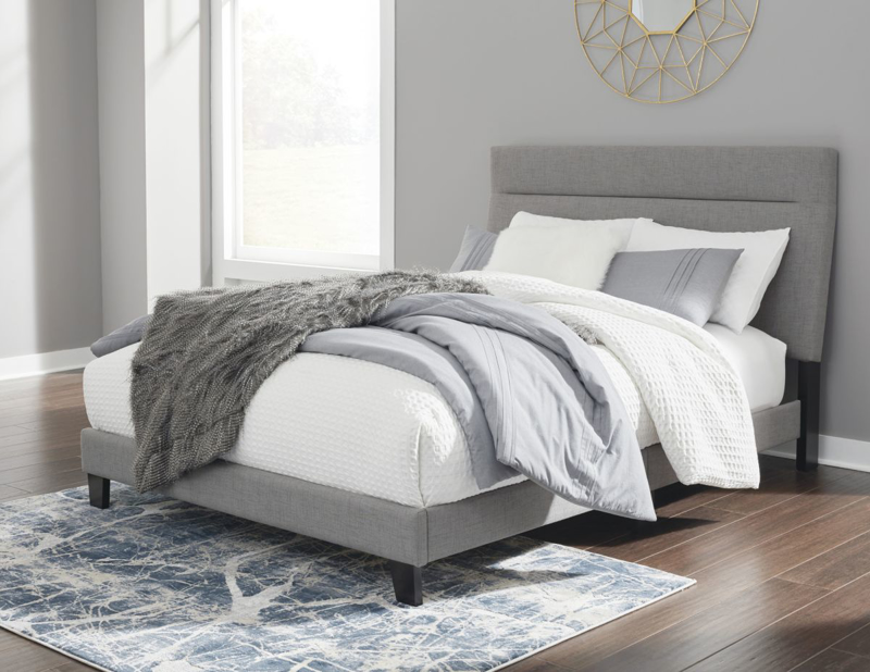 Adelloni Queen Size Bed