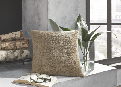 Picture of Hulsey Accent Pillow