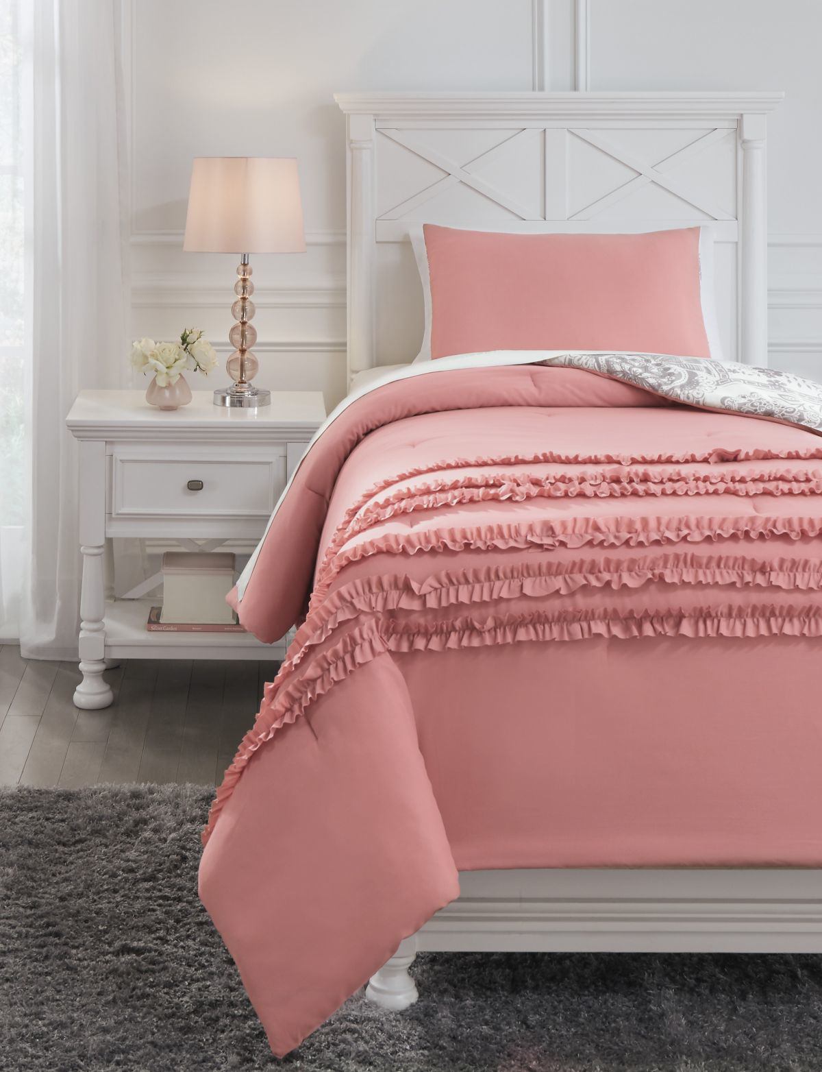 Picture of Avaleigh Twin Comforter Set