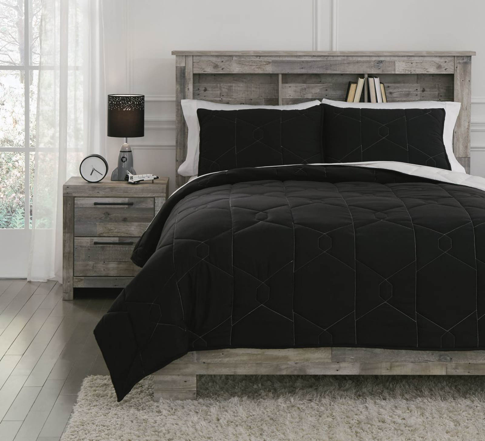 Picture of Meliora Twin Quilt Set