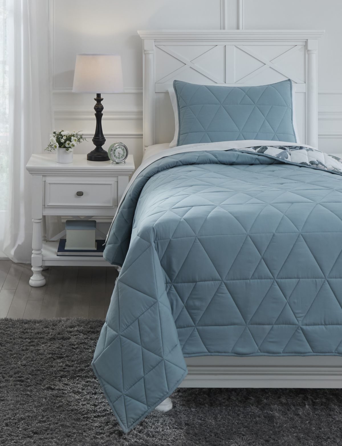 Picture of Kiandra Twin Quilt Set