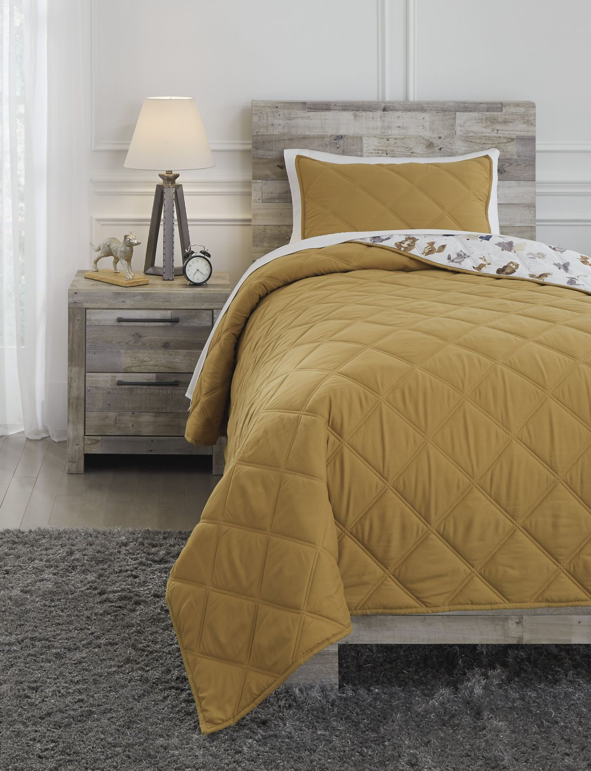 Picture of Cooperlen Twin Quilt Set