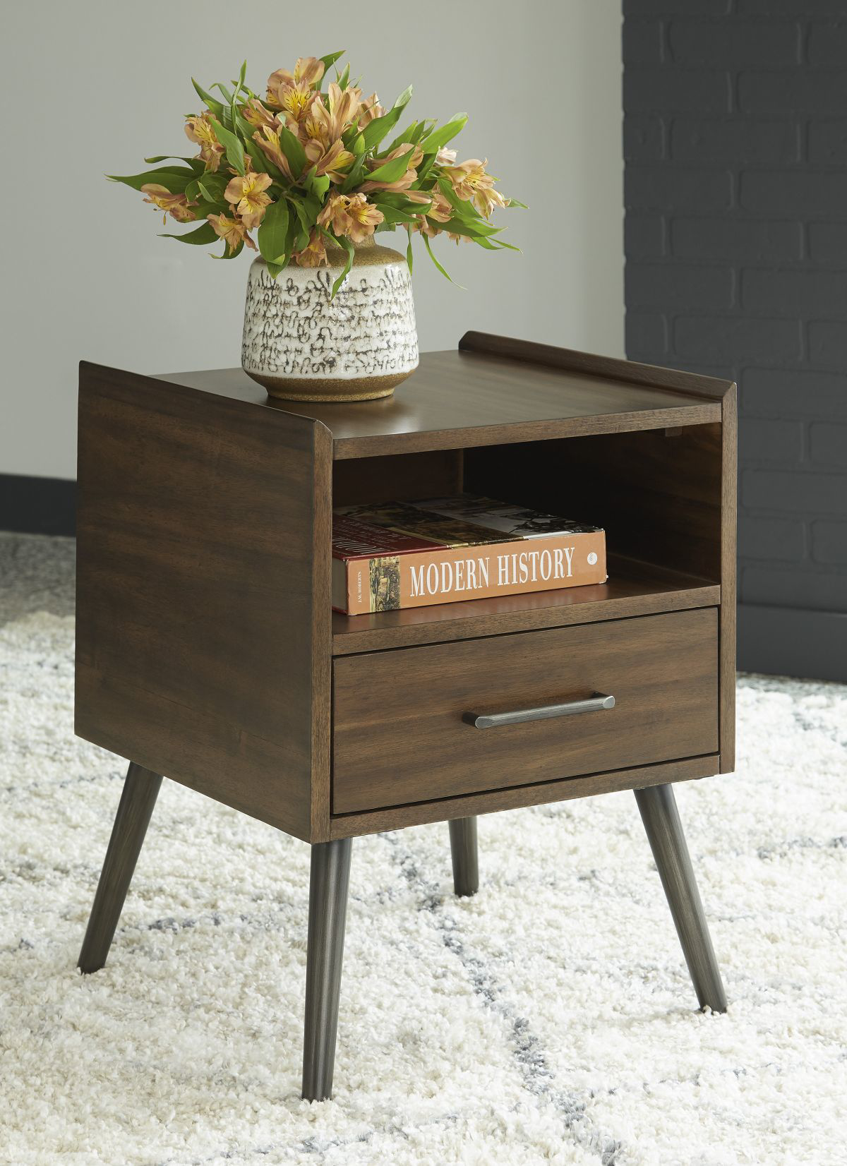 Picture of Calmoni End Table
