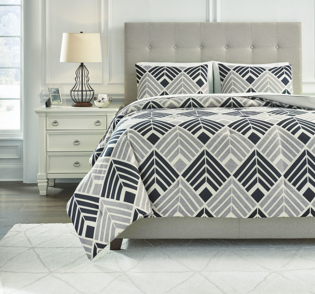 Picture of Ellowyn King Comforter Set
