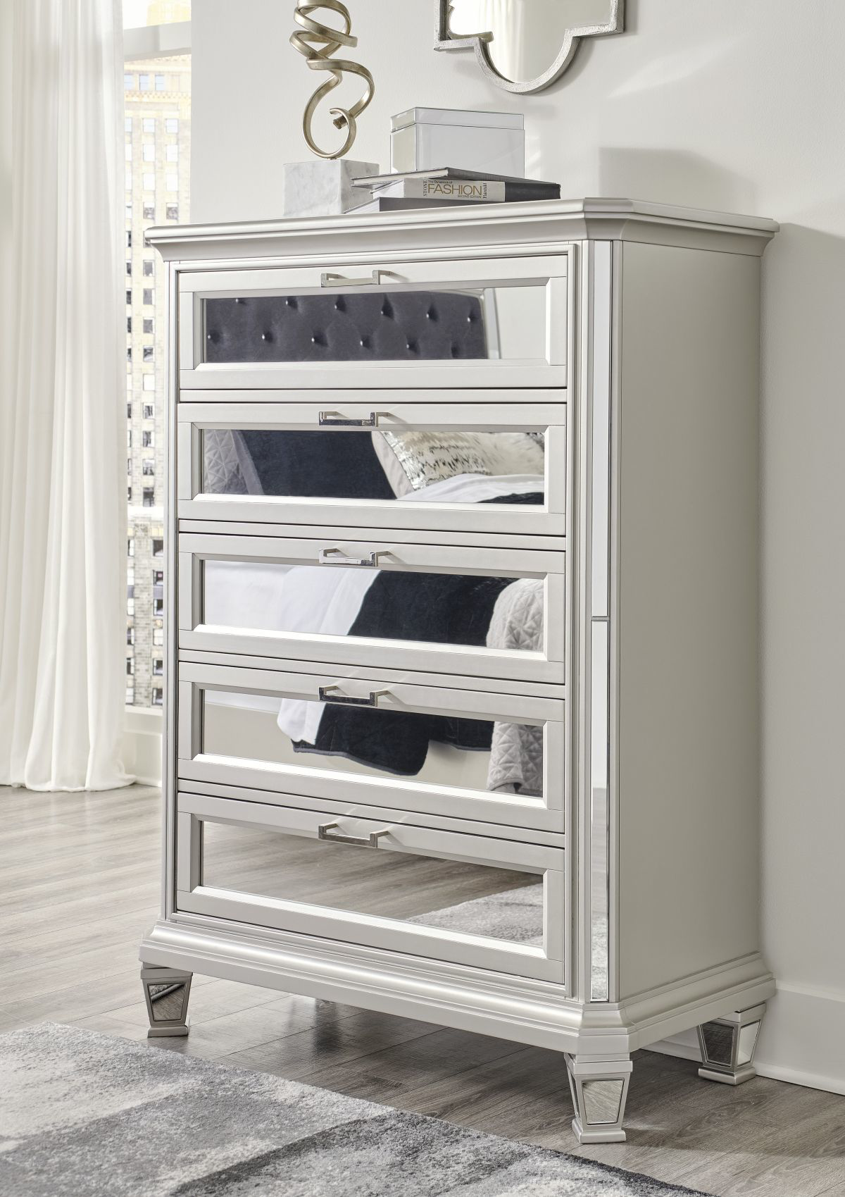Picture of Lindenfield Chest of Drawers