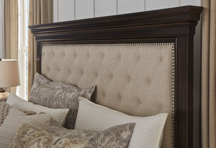 Picture of Brynhurst Queen Size Bed