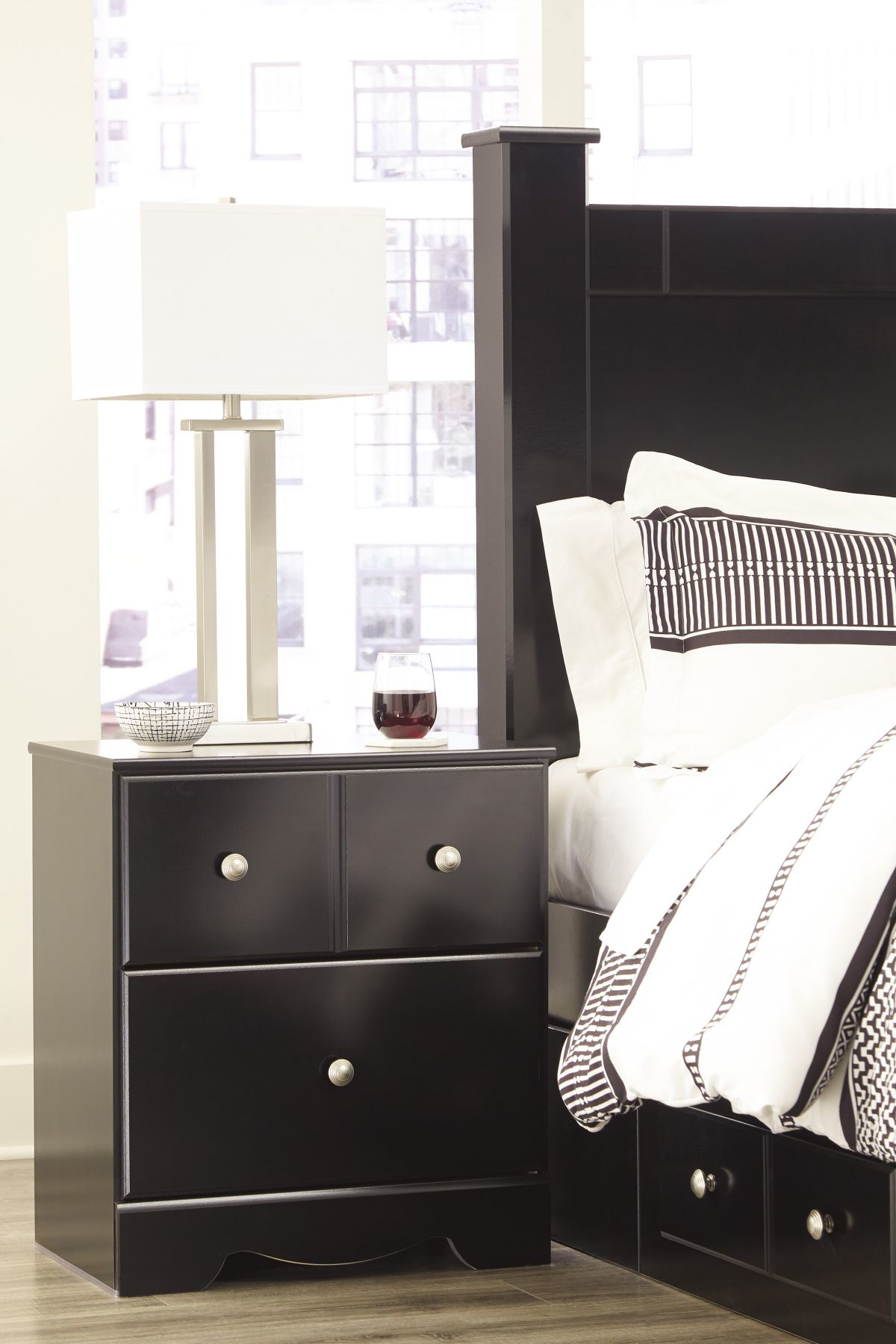 Picture of Mirlotown Nightstand
