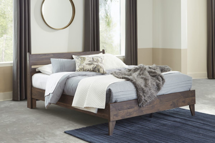 Picture of Calverson Queen Size Bed
